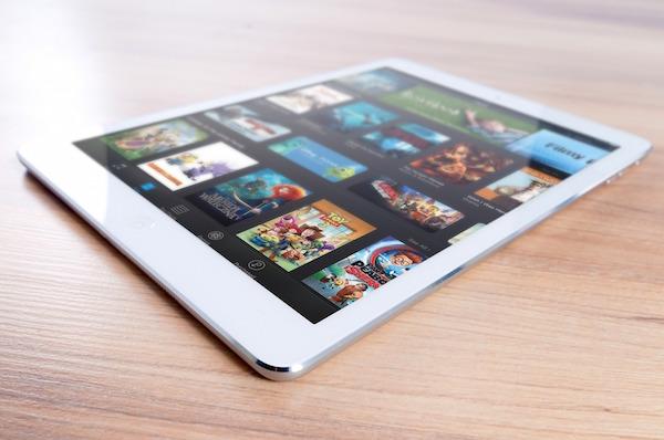 Undgå iPad, tablets og andre skærme når du skal lægge børn i seng